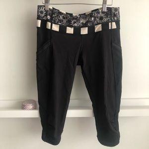 Lululemon reversible Capri pants with pockets